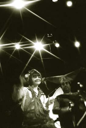 """Спектакль: <b><i>Чиж иЕж</i></b><br /><span class=""""normal"""">актриса— Наталия Мордкович<br />актер— Юрий Амиго<br /><i></i></span>"""