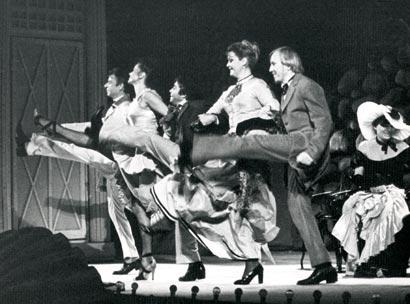 """Спектакль: <b><i>Чехонте в«Эрмитаже»</i></b><br /><span class=""""normal""""><br /><i>Сцена из спектакля.</i></span>"""