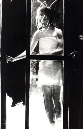"""Спектакль: <b><i>Вечер всумасшедшем доме</i></b><br /><span class=""""normal"""">Актер— Лариса Панченко<br /><i>Сцена из спектакля</i></span>"""
