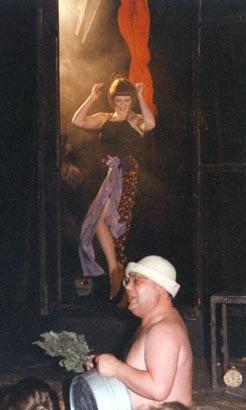 "Спектакль: <b><i>Вечер всумасшедшем доме</i></b><br /><span class=""normal"">Актер— Екатерина Тенета<br />Актер— Геннадий Храпунков<br /><i>Сцена из спектакля</i></span>"