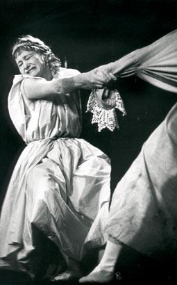 "Спектакль: <b><i>Дон Жуан</i></b><br /><span class=""normal"">Матурина, крестьяночка— Александра Ислентьева<br /><i>Сцена из спектакля</i></span>"