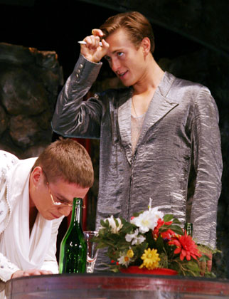 http://media.theatre.ru/photo/6247.jpg