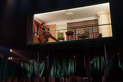 http://media.theatre.ru/photo/69774.jpg