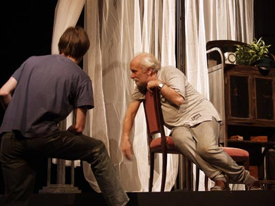 http://media.theatre.ru/photo/10445.jpg
